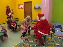 Zabawa z prezentami w przedszkolu